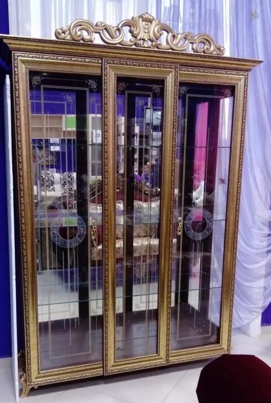 Витрина Версаль горка 3 дверная