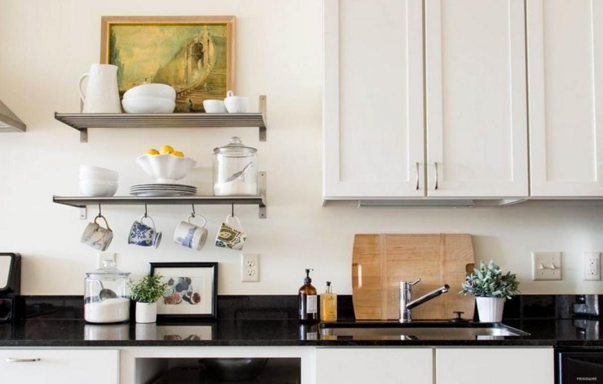 Все по полочкам: 15 гениальных советов по организации порядка на кухне